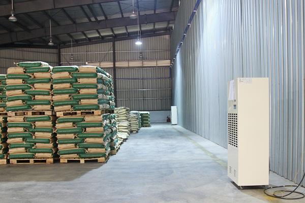 Máy hút ẩm công nghiệp Fujie HM-2408D bảo quản bao bì