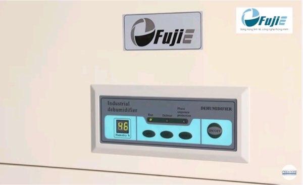 Màn hình điều khiển của Fujie HM-2408D