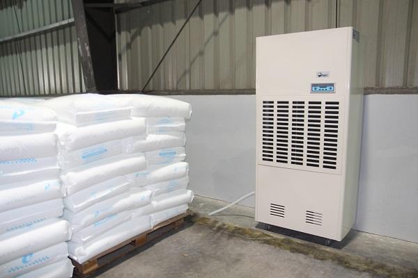 Máy hút ẩm Fujie HM-2408D cho kho bảo quản