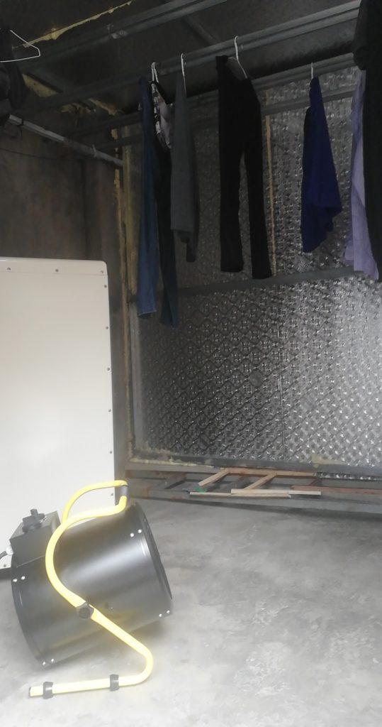 Quạt sấy gió nóng Mitsuta EH-03 sấy quần áo