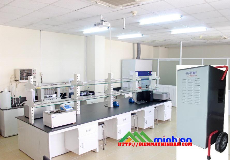 Máy hút ẩm công nghiệp Harison trong phòng thí nghiệm